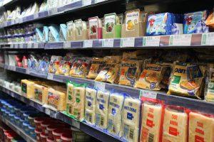 איך שומרים על טריות המזון במקרר? טיפים מועילים ועד למקררים המומלצים שיעזרו לכם